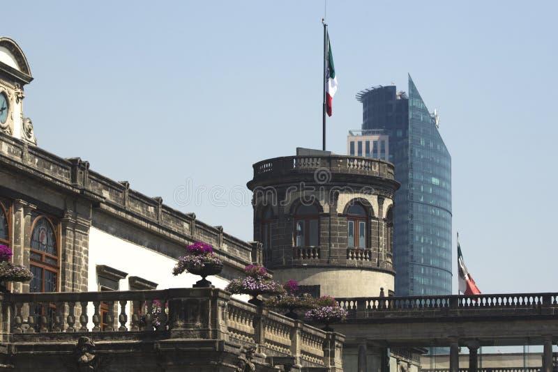 Contraste d'architecture de Mexico photographie stock libre de droits