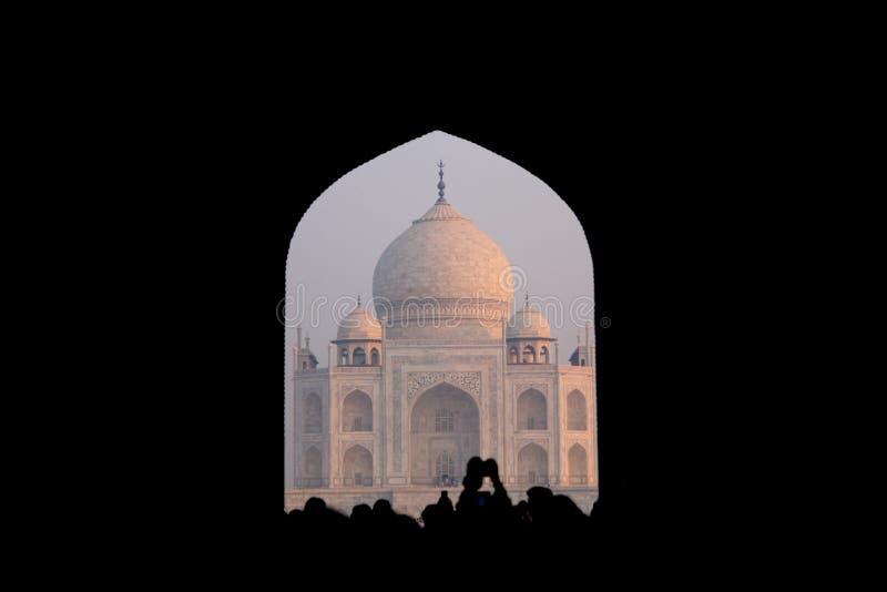 Contraste de Taj Mahal Gate foto de stock royalty free