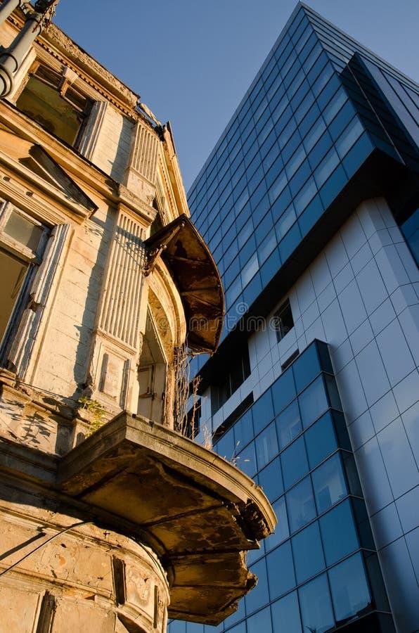 Contrastgebouwen stock foto's