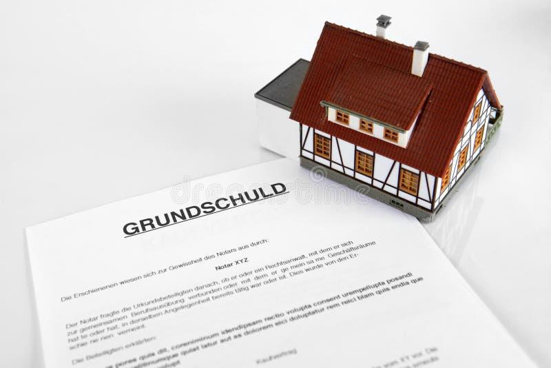 Contrat d'hypothèque - Word allemand Grundschuld images libres de droits
