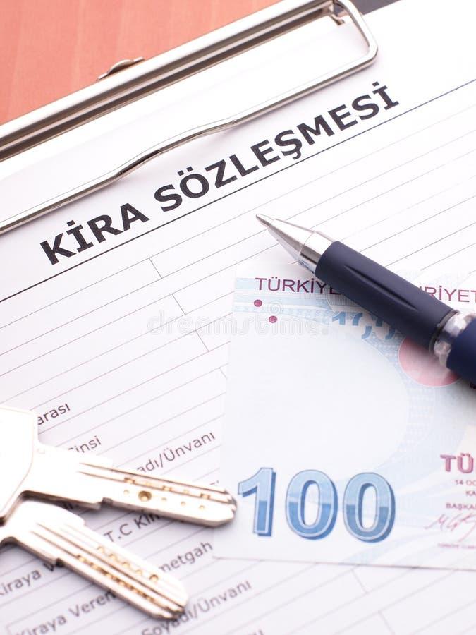 Contrat de bail dans le turc photos stock