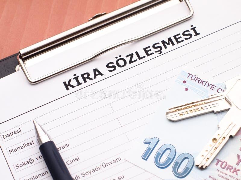 Contrat de bail dans le turc photo stock