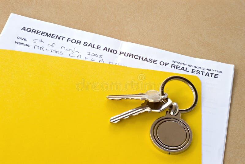 Contrat de la vente des immeubles photos libres de droits