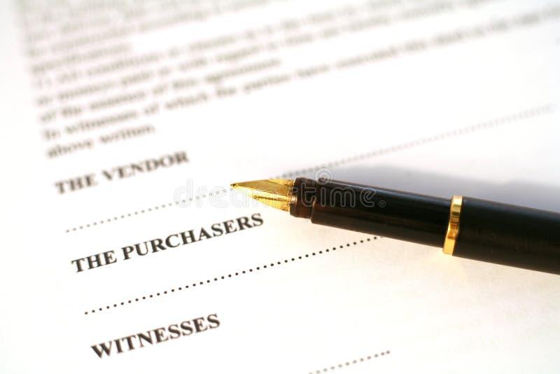 Contrat et crayon lecteur photographie stock libre de droits