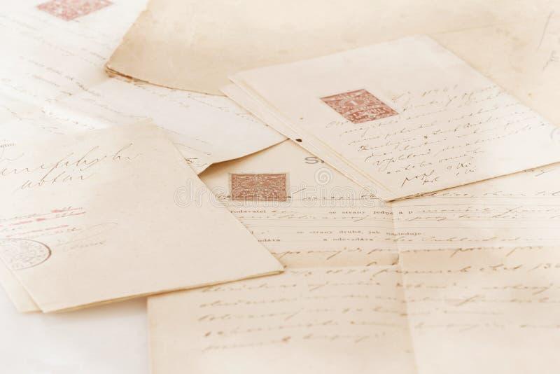 Contrat manuscrit très vieux des textes photographie stock libre de droits