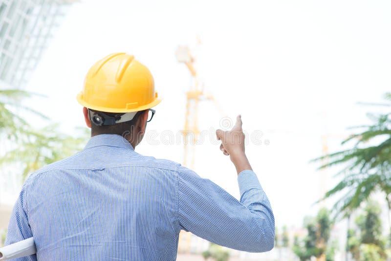 Contratante de construção masculino indiano do local imagem de stock