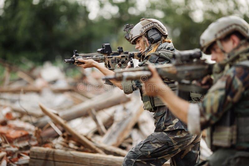 Contratante militar privado durante a operação especial fotos de stock royalty free