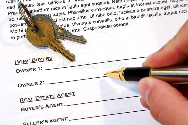 Contrato da venda Home foto de stock royalty free