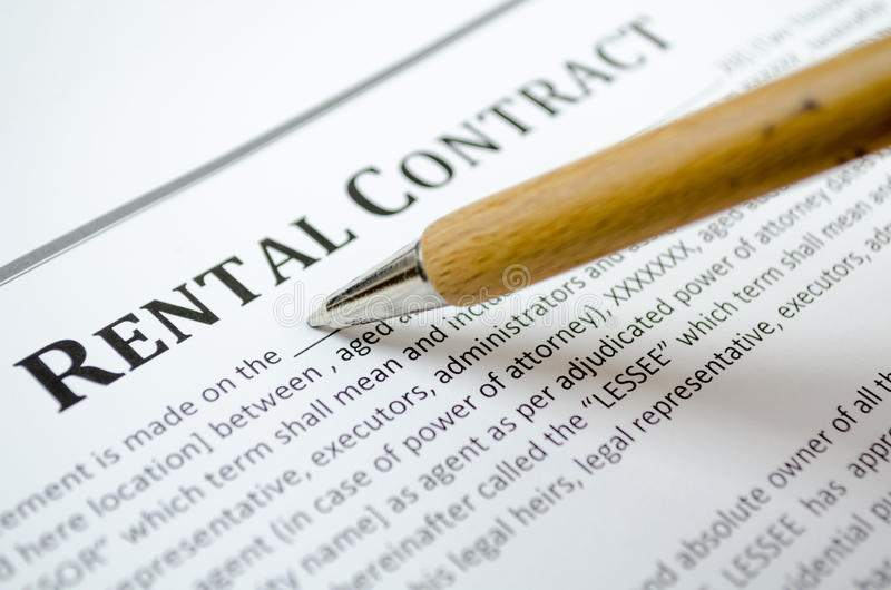 Contrato de alquiler de relleno fotografía de archivo libre de regalías