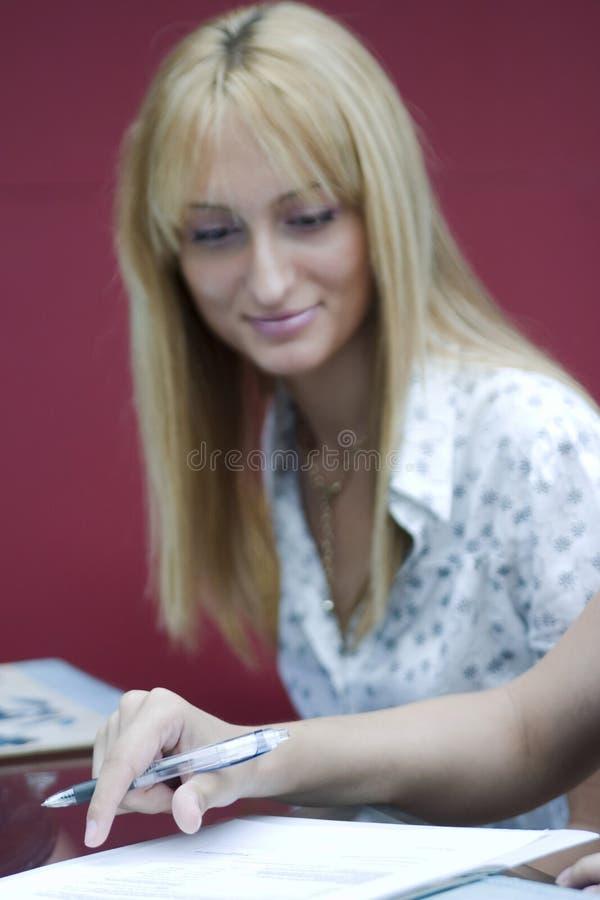 Contrato de assinatura imagem de stock