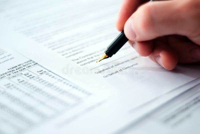 Contrato de firma. imagen de archivo libre de regalías