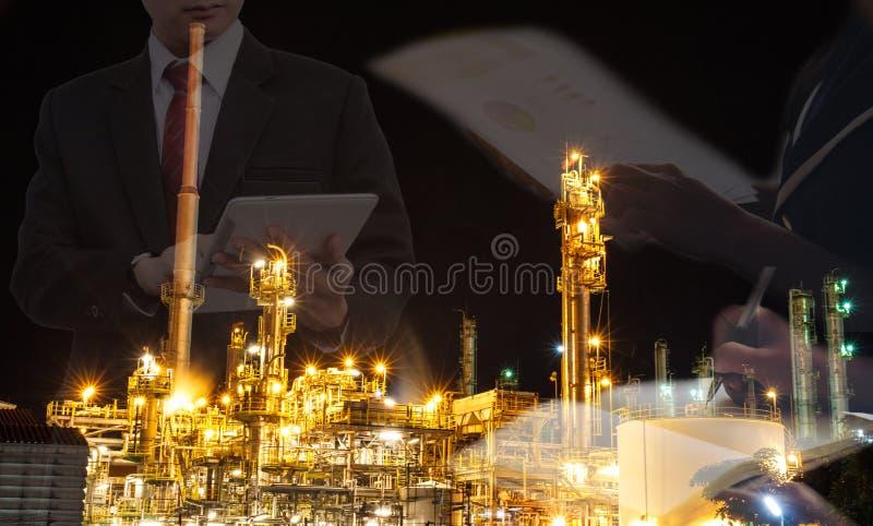 Contrato do negócio de óleo imagens de stock