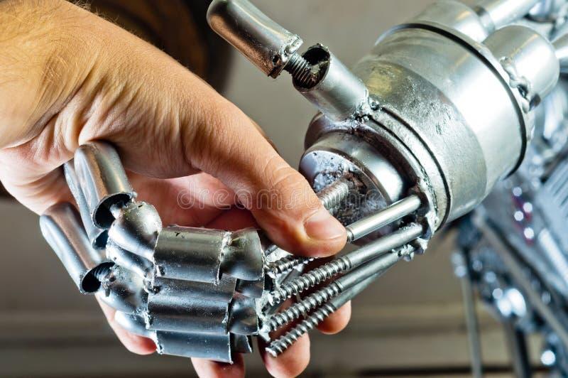 Contrato entre o ser humano e o robô fotografia de stock royalty free