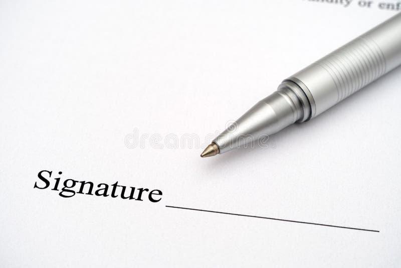 Contrato listo para la firma fotografía de archivo