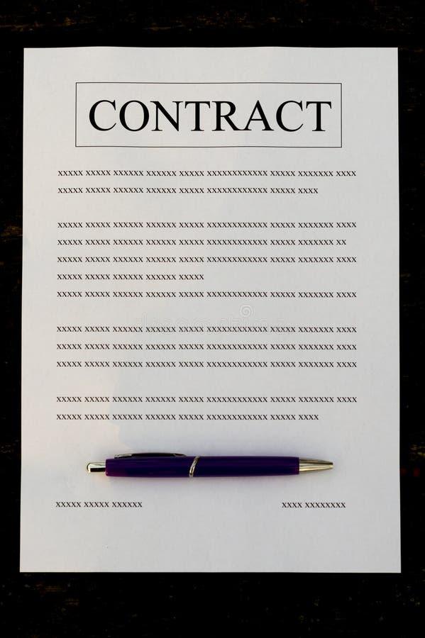 Contratto di carta riempito fotografia stock