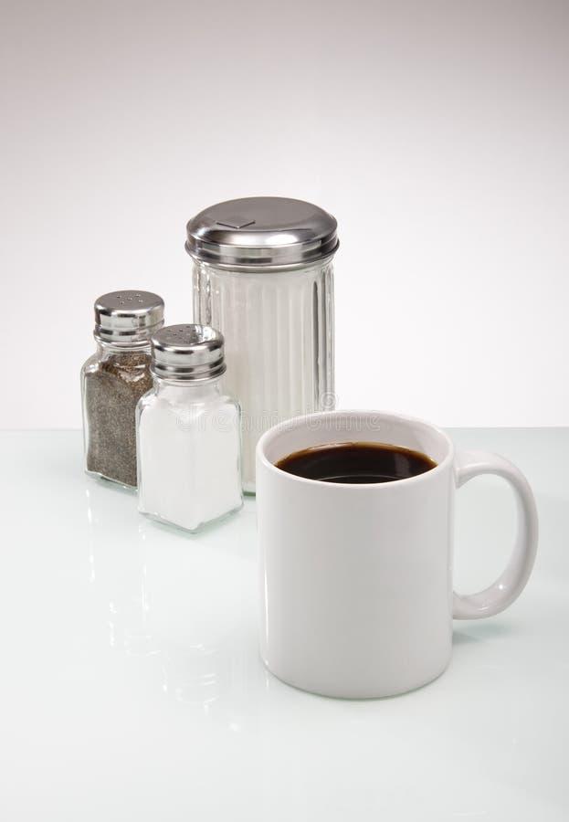 Contre- condiments de wagon-restaurant pour le café photo libre de droits