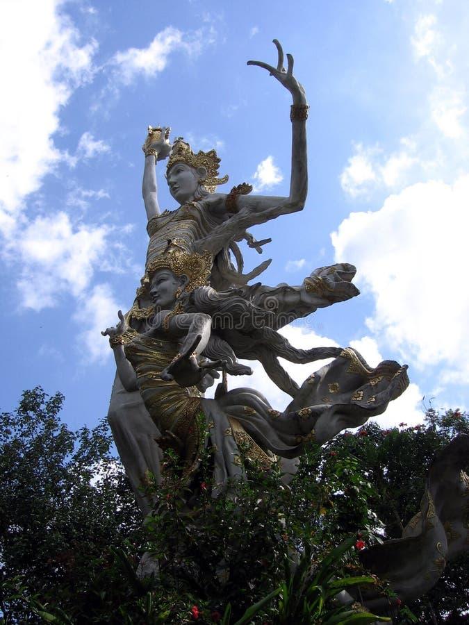 contre le ciel de déesse de bali photo libre de droits