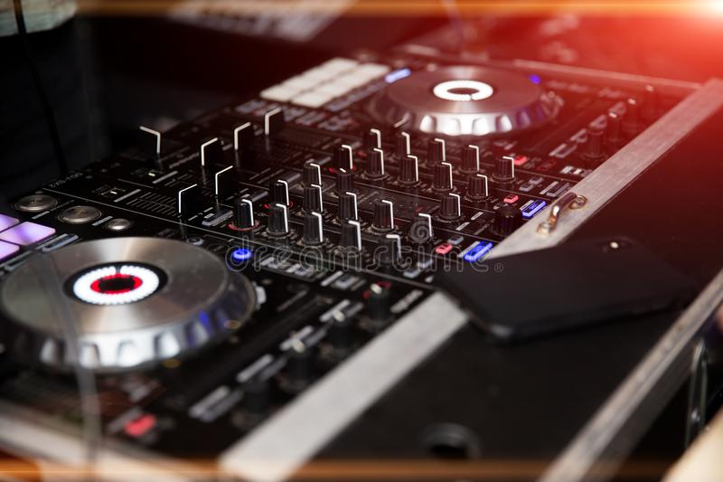Controlador audio do misturador do DJ imagens de stock royalty free