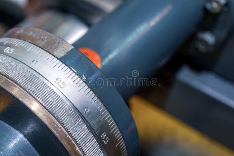 Controle de transporte mecânico da roda fotografia de stock