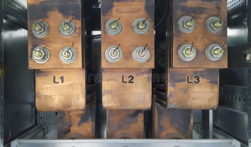 controle en machtsverdeler, Luchtstroomonderbreker en hoofdbusbar voor laag voltage royalty-vrije stock foto's