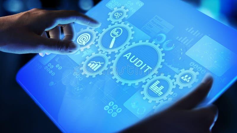 Controle - officieel financieel onderzoek voor zaken als concept op het virtuele scherm royalty-vrije stock foto