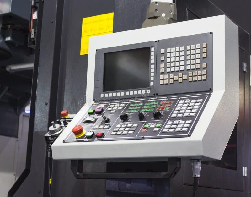 Controlebord van CNC machinaal bewerkend centrum stock afbeeldingen