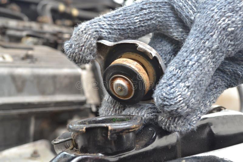 Controleer de radiatorauto. royalty-vrije stock afbeeldingen