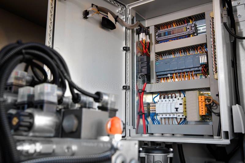 Controlekabinet voor pompassemblage stock foto's