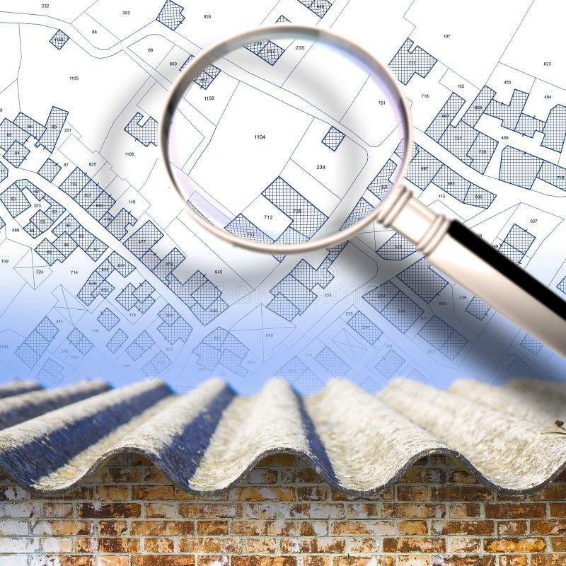 Controlerend de aanwezigheid van asbest, ??n van de gevaarlijkste bouwmaterialen, in onze gebouwen - conceptenbeeld met a royalty-vrije stock fotografie