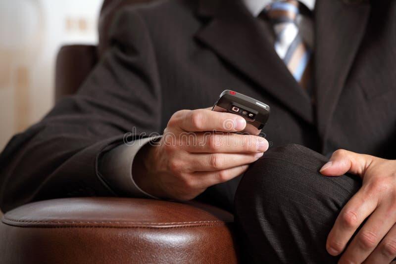 Controllo del telefono fotografie stock libere da diritti