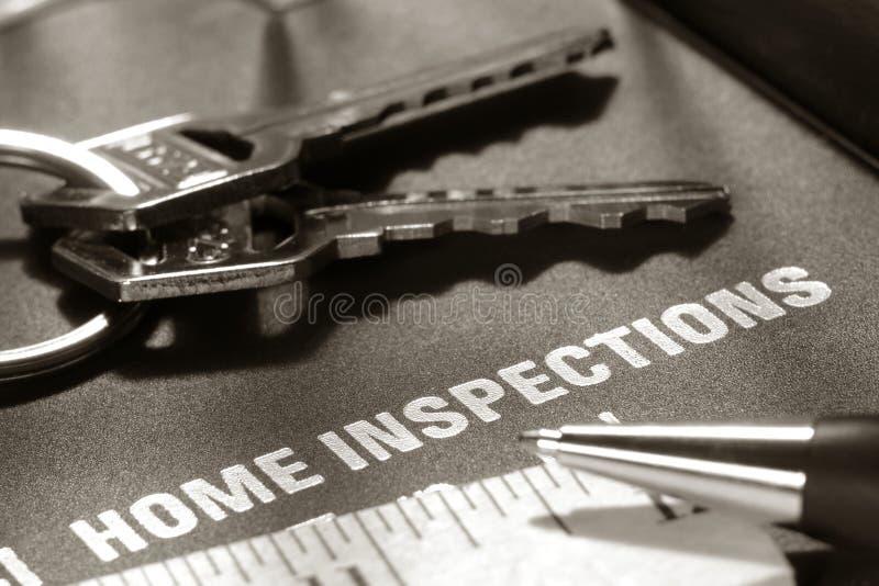 Controllo della casa del bene immobile della Camera fotografia stock