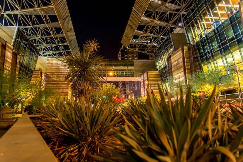 Convention Center la nuit à Phoenix, AZ photo stock