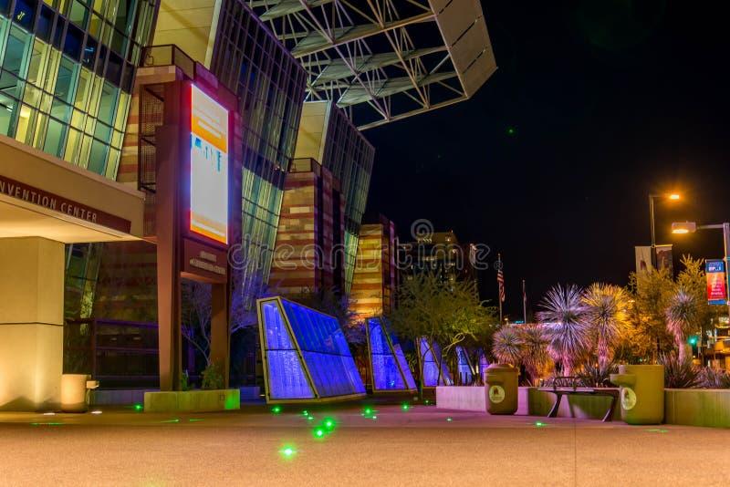 Convention Center na noite em Phoenix, AZ fotos de stock royalty free