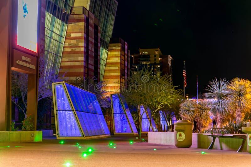 Convention Center na noite em Phoenix, AZ fotografia de stock royalty free