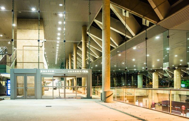 Convention Center nachts in Baltimore, Maryland lizenzfreie stockfotos