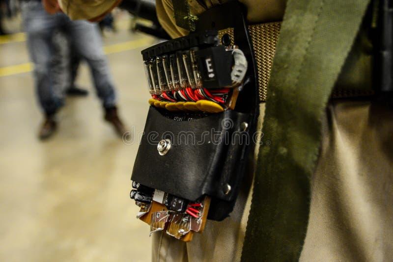 Convention de Sci fi dans des habitants de Gothenburg avec les armes à feu drôles image libre de droits