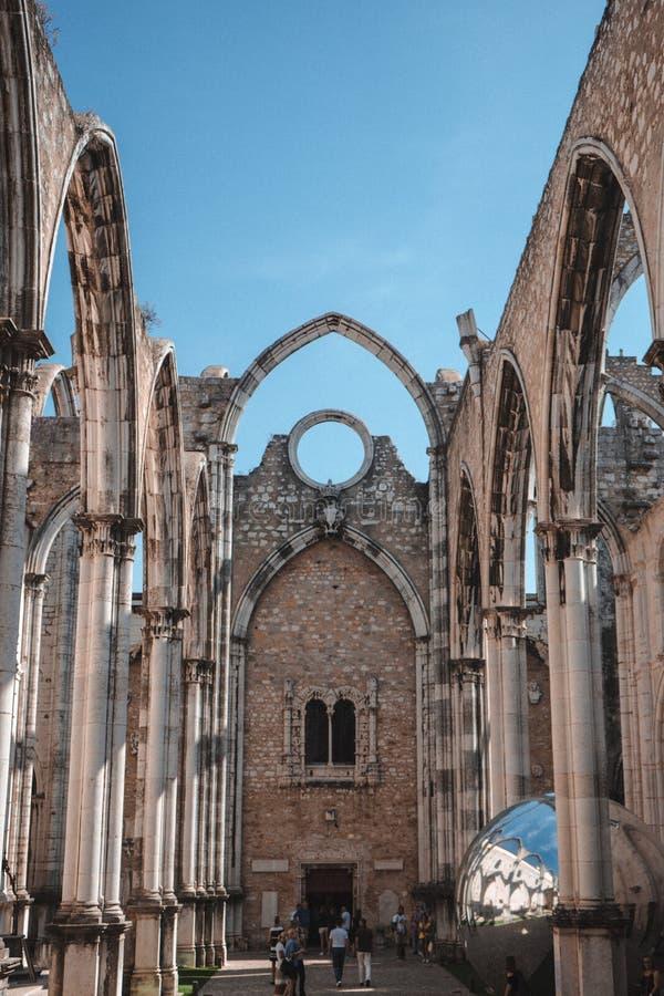 Convento做卡尔穆哥特式修造的教堂建筑学里斯本Portuga 图库摄影