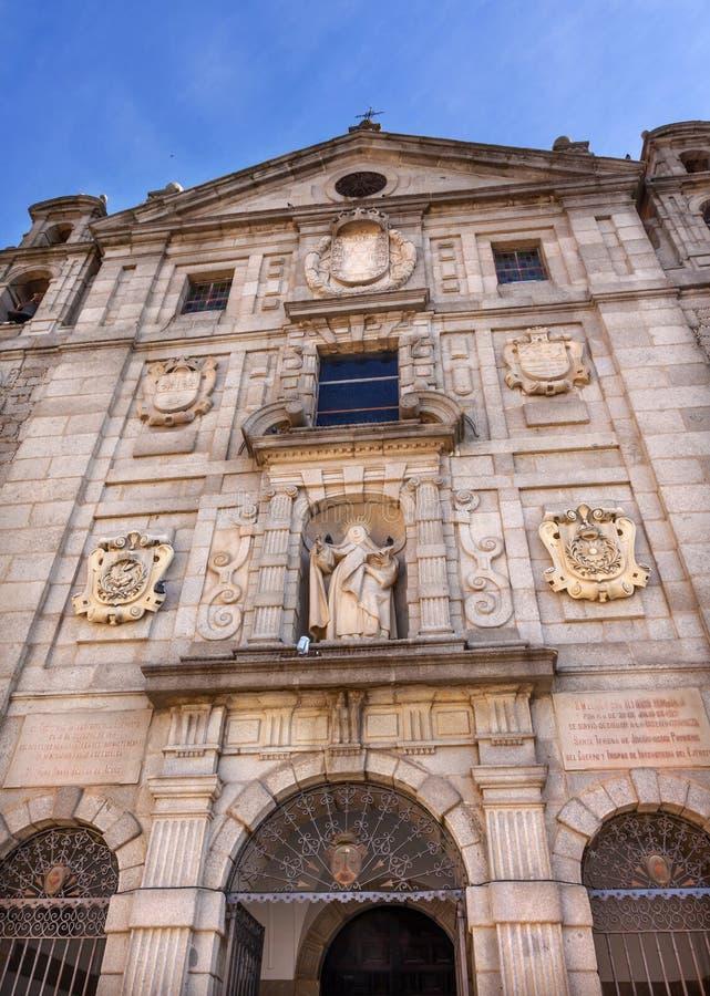 Convento de Santa Teresa Facade Swallows Avila Castile Spagna fotografia stock libera da diritti