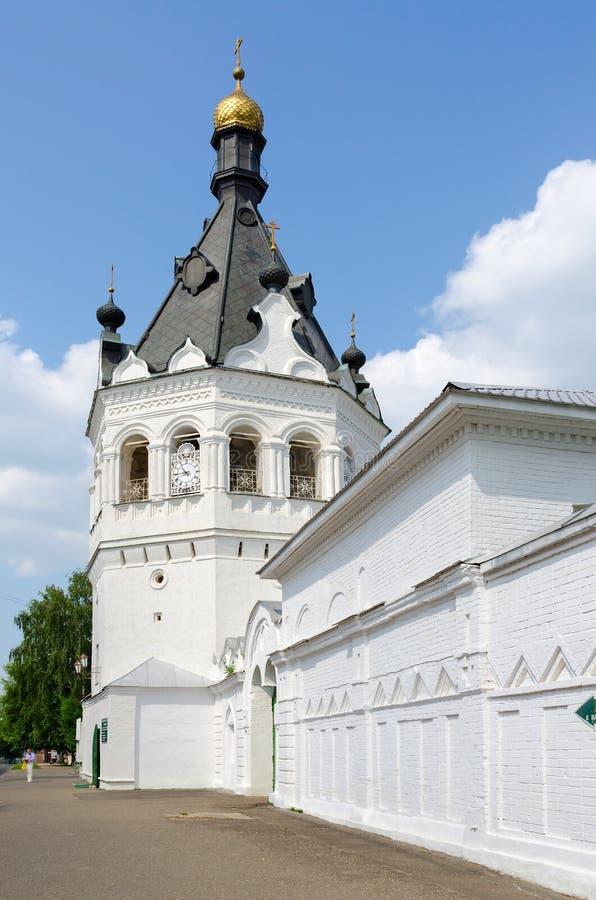 Convento de Theophany (campanario) del monasterio, Kostroma, Rusia fotografía de archivo