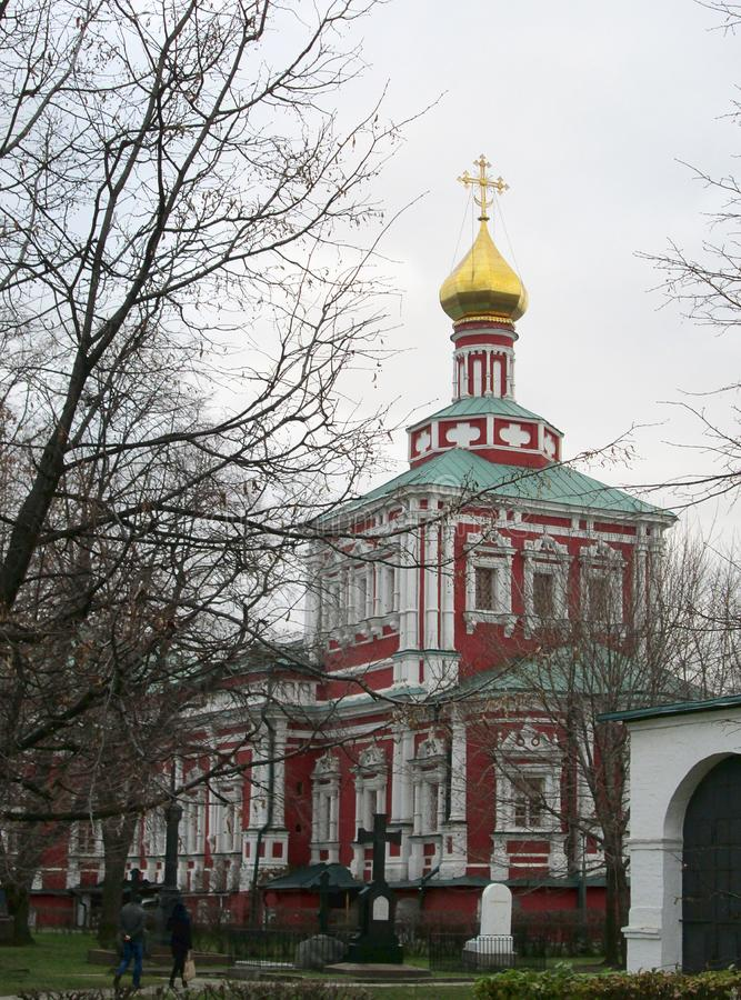 Convento di Novodevichiy a sito del patrimonio mondiale dell'Unesco di Mosca, Russia fotografia stock libera da diritti