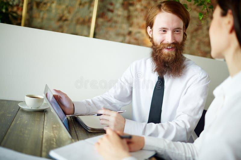 Conversa ao cliente foto de stock royalty free