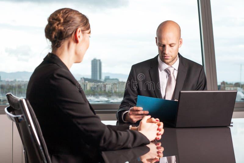 Conversa do trabalho dos recursos humanos imagem de stock