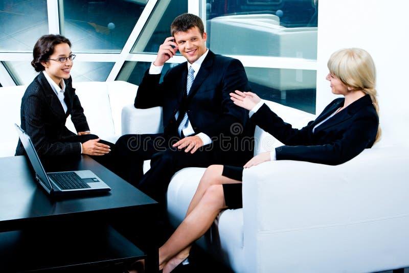Conversation d'affaires image libre de droits
