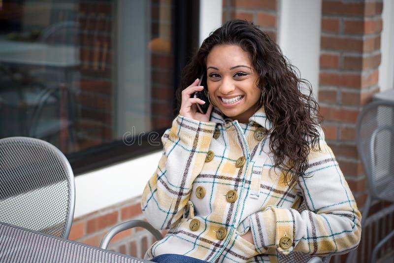 Conversation de téléphone portable image stock