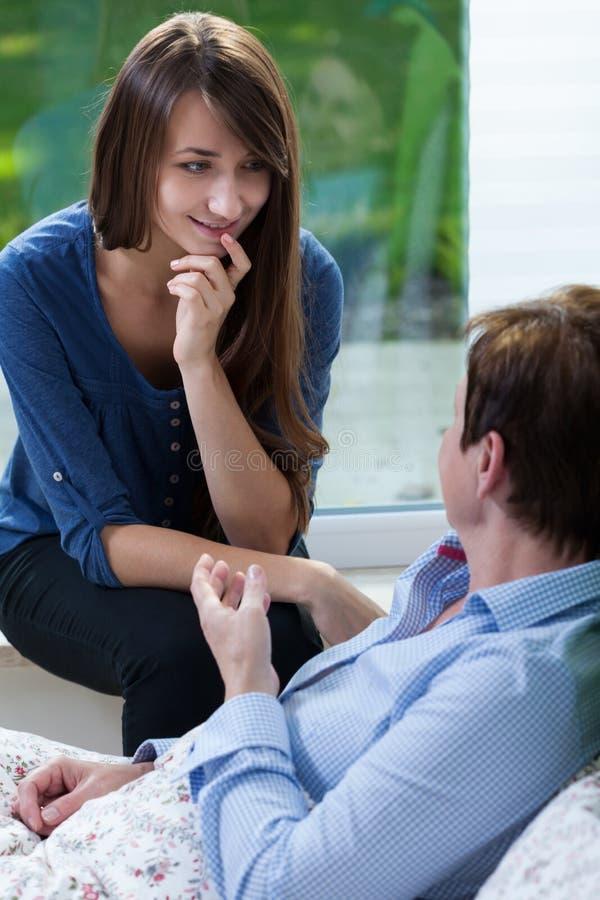 Conversazione con il paziente immagine stock libera da diritti