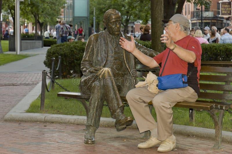 Conversazione degli anziani fotografia stock libera da diritti