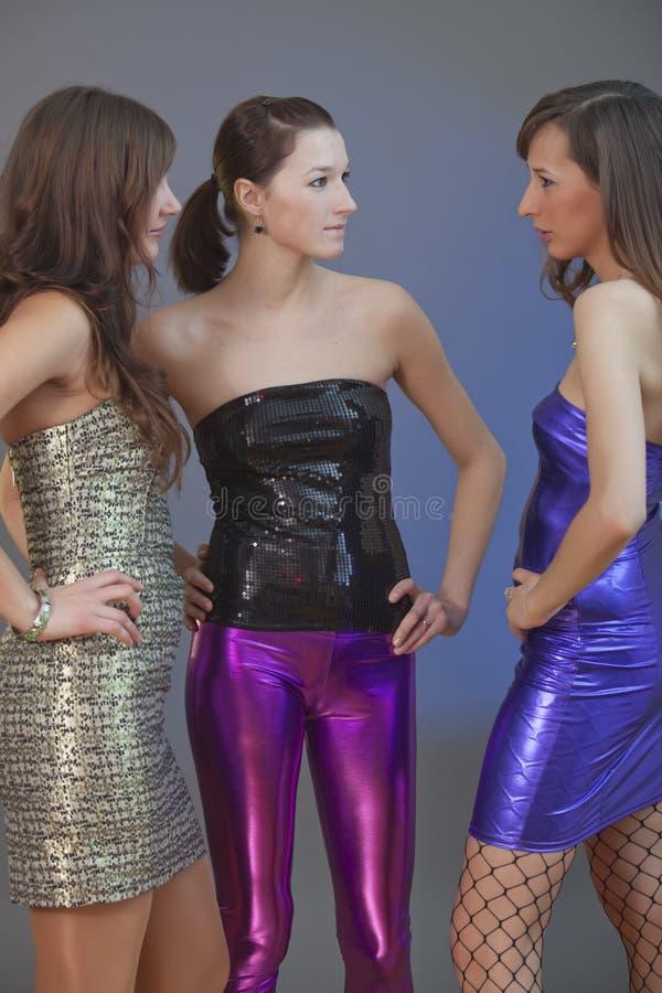 Conversazione delle ragazze di partito fotografia stock