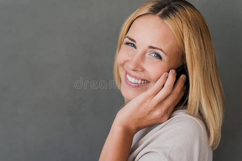 Download Conversazione Piacevole Con L'amico Immagine Stock - Immagine di lifestyles, piacevole: 56882591