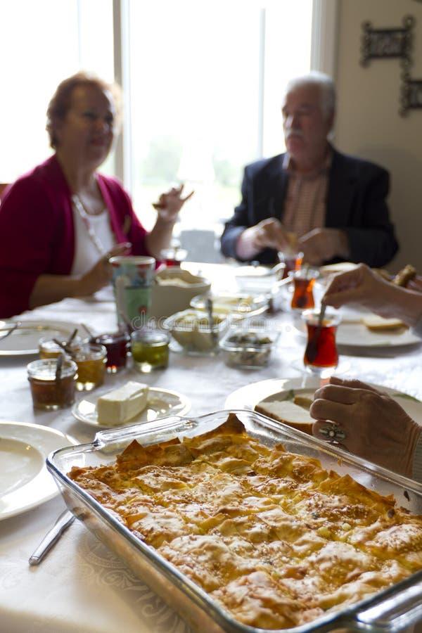 Conversazioni turche della prima colazione immagini stock