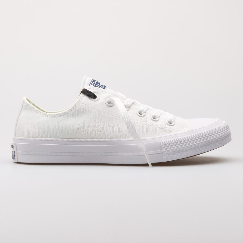 Free Converse Chuck Taylor All Star 2 OX White Sneaker Royalty Free Stock Images - 146644359
